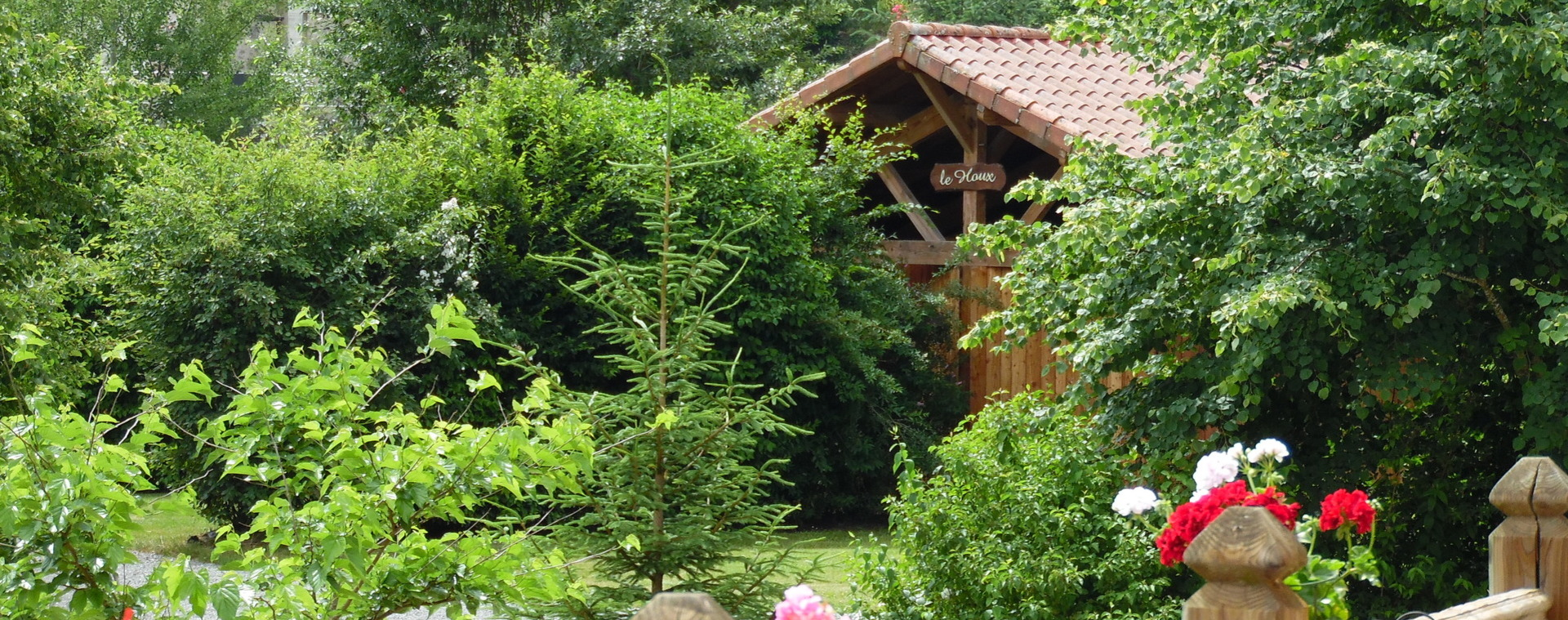 Ferme Viescamp Gites Chalets Pers Cantal